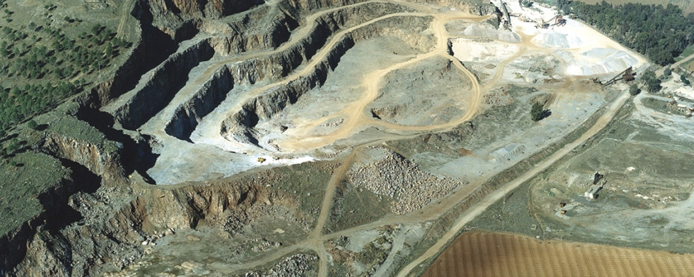 Gevora Construcciones SA tiene implantado un Sistema de Gestión Ambiental, según norma UNE-EN ISO 14.001, que es revisado y sometido a auditoría externa anualmente.
