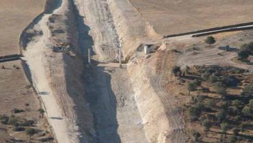 CONSTRUCCIÓN DE PLATAFORMA DE LÍNEA DE ALTA VELOCIDAD MADRID - EXTREMADURA, TRAMO GARROVILLAS CASAR DE CÁCERES (EXTREMADURA).
